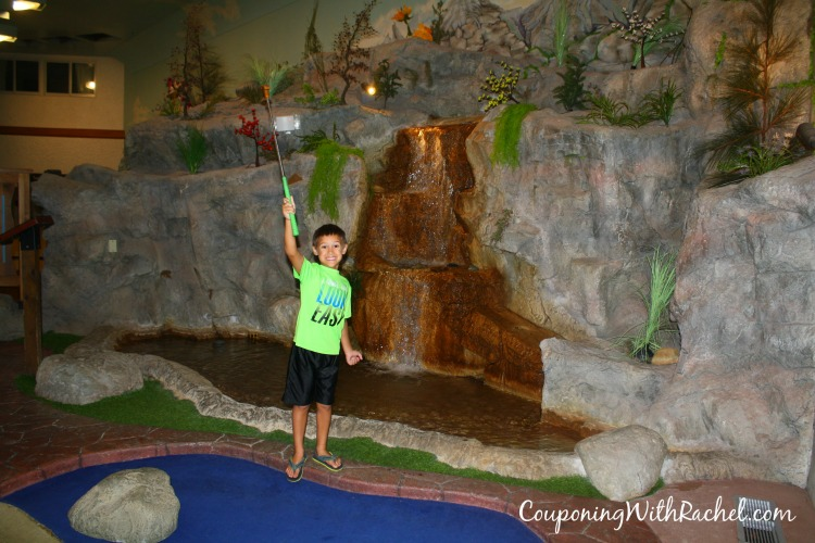 Bavarian Inn Lodge Miniature Golf Review